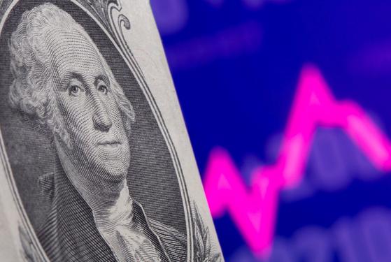 12일(현지시간) 미국 4월 소비자물가 상승률이 예상을 뛰어넘게 높게 나오자 조기 긴축 우려에 전 세계 금융시장이 출렁였다. 로이터=연합뉴스