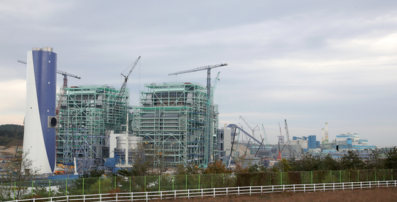 강원도 강릉 안인리에 건설중인 석탄 화력발전소 모습. 장진영 기자