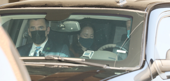미국의 정보수장 애브릴 헤인스 국가정보국(DNI) 국장이 13일 오전 판문점으로 이동하기 위해 숙소인 서울 시내의 호텔을 출발하고 있다. [뉴스1]