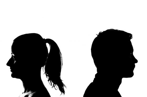 혼인관계를 정리하는 취지에서 각서를 작성했으면 협의이혼을 전제로 한 재산분할 약정으로 볼 수 있다. 하지만 협의이혼이 이루어지지 않는다면 재산분할 협의의 효력은 발생하지 않는다. [사진 pixabay]