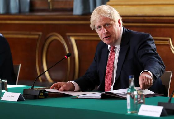 보리스 존슨 영국 총리가 지난해 7월 런던 외무부 청사에서 내각회의를 주재하고 있다. [로이터=연합뉴스]