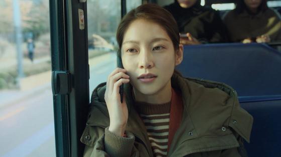 올 전주국제영화제에서 CGV 아트하우스 배급지원상과 배우상(공승연)까지 2개 부문을 수상한 영화 '혼자 사는 사람들'(감독 홍성은). [사진 더쿱]