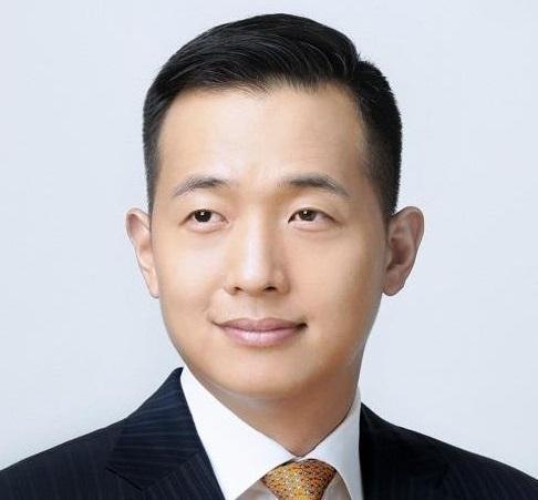 한화그룹 김승연 회장의 장남인 김동관 한화솔루션 대표.