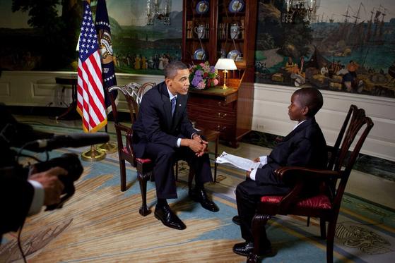 2009년 11살의 나이로 버락 오바마 대통령을 인터뷰하던 꼬마 기자 데이먼 위버. [백악관]