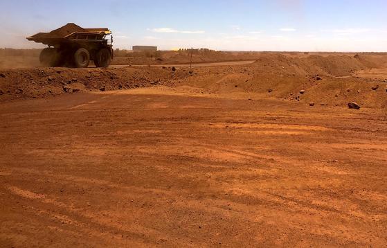 호주 서부의 철광석 채굴장. 로이터=연합뉴스