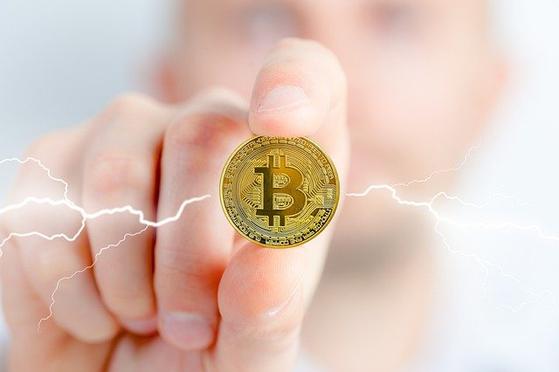 이번 2021년 개정세법에서 정부는 '가상화폐'를 '가상자산'으로 지칭했다. 가상자산은 화폐가 아니며, 기본적으로 금융자산으로 볼 수 없다는 의미이다. [사진 pixabay]