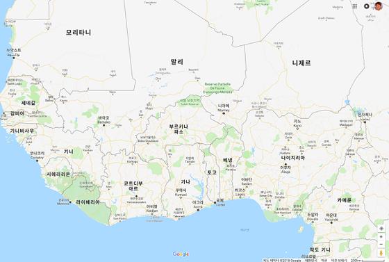 지난 19일(현지시간) 한국인 선장등 5명이 탄 참치잡이 어선이 납치된 기니만 해역. [구글 캡처]