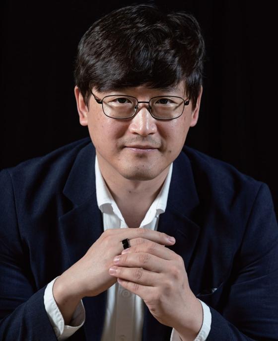 세계 최초로 심장 모니터링 기기를 선보인 스카이랩스를 창업한 이병환 대표. 김현동 기자