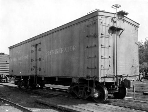 광활한 미국 중서부지역을 쉬지 않고 달렸을 냉장 열차. [사진 Wikimedia Commons]