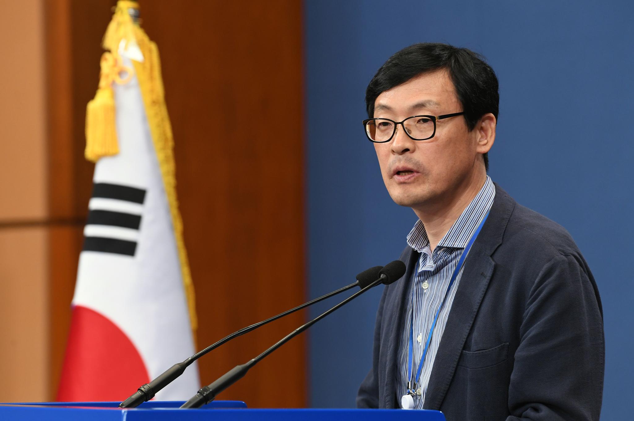 이호승 청와대 정책실장. 청와대사진기자단
