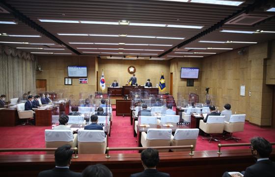 지난 18일 대구 동구의회에서 제308회 임시회 제2차 본회의가 진행되고 있다. [사진 대구 동구의회]