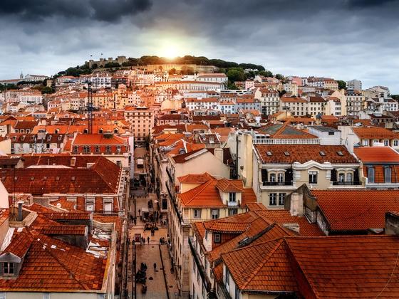2012년 시행되기 시작한 포르투갈의 '골든비자 프로그램'은 포르투갈 부동산 혹은 펀드에 투자한 외국인에게 취득 즉시 학업, 취업 및 각종 사회 활동을 허용하고 있다. [사진 pxhere]