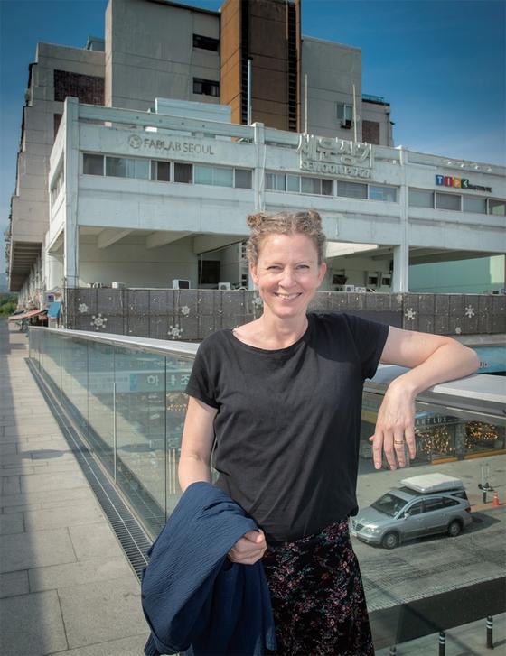야콥 할그렌 주한 스웨덴 대사의 부인이자 건축가인 요한나 할그렌 씨(사진)는 세운상가를 한국 도시재생의 훌륭한 사례라고 꼽았다. 기존 건물과 세입자를 그대로 유지하면서 변화를 유도한 것을 성공의 원인이라고 봤다.