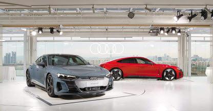올해는 다양한 제조사들이 슈퍼카 못지않은 성능을 무기로 한 고성능 전기차들을 내놓는다. 왼쪽부터 기아 EV6 GT, 아우디 e-트론 GT와 RS e-트론 GT, 테슬라 모델 S 페이스리프트, 포르쉐 타이칸 터보 S, 폴스타 2. [사진 각 제조사]