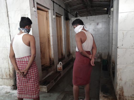 인도의 한 공중화장실(사진은 기사와 직접적 관련이 없습니다). AP=연합뉴스