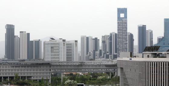 올해 전국에서 가장 높은 70%의 공시가격 상승률을 기록한 세종시 아파트 전경. 6억원 이하에선 공시가격이 아무리 많이 올라도 재산세가 지난해보다 더 적다. 뉴스1