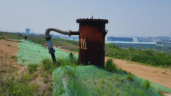 지난 13일 인천 서구 수도권매립지 제2 매립장에 매립 폐기물에서 발생하는 가스를 빼내는 장치가 설치돼있다. 강주안 기자