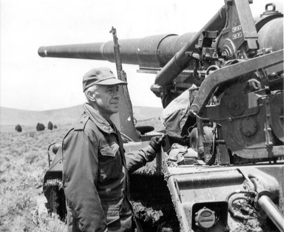 가평 전투를 이끈 지휘관 프랭크 댈리 중령. 제2차 세계대전에도 참전한 그의 노련한 전술 덕분에 213포병대대가 중공군 1개 사단을 물리칠 수 있었다.