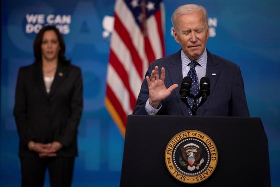 조 바이든 미국 대통령이 2일 백악관에서 백신 접종을 촉구하는 연설을 하고 있다. [로이터=연합뉴스]