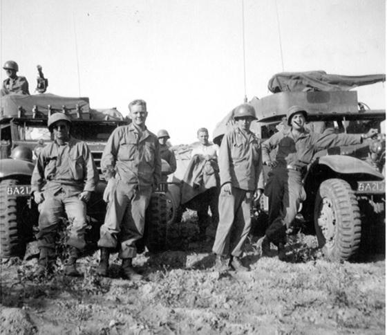 가평 전투를 치렀던 미군 213야전포병대대 병사들. 대부분 20대 안팎의 젊은 나이였다. [사진 한국헬핑핸즈]