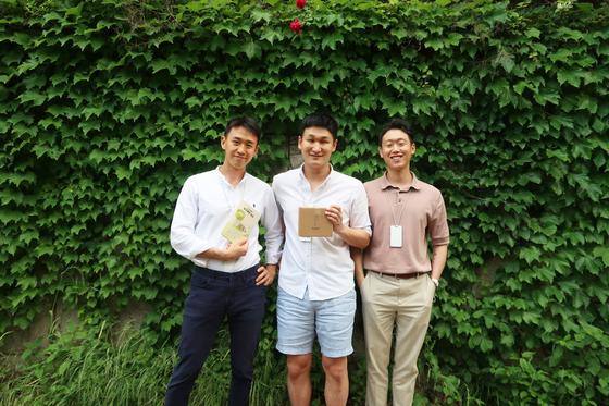 [사진=오굿프로젝트 공동창업자 | 왼쪽부터 김두연, 홍승범, 공채원 대표]