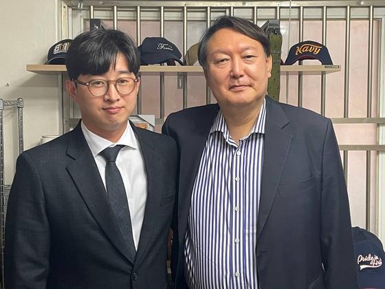 윤석열 전 검찰총장이 6일 전준영 천안함생존자 예비역전우회장을 만났다. [사진 독자제공]