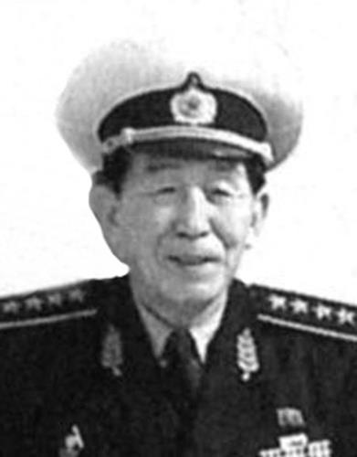 북한이 제1·2 연평해전 당시 해군사령관이었던 김윤심의 유해를 국립묘지격인 신미리애국열사릉에 안장했다고 6일 전했다. [연합뉴스]