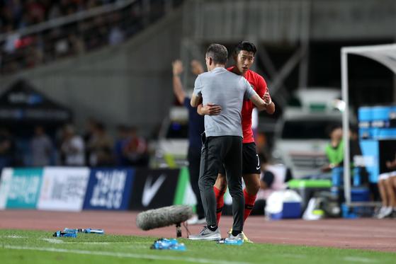 파울루 벤투 감독이 처음으로 '손흥민 의존증'을 버렸다. 사진은 벤투 감독의 한국 대표팀 데뷔전이었던 코스타리카전. 대한축구협회 제공