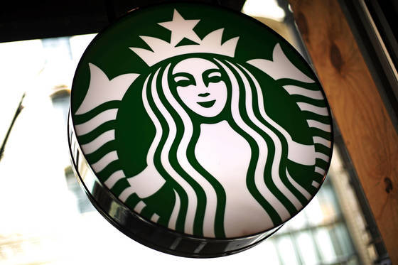 미국 내 한 스타벅스 매장의 사인보드. [AP=연합뉴스]