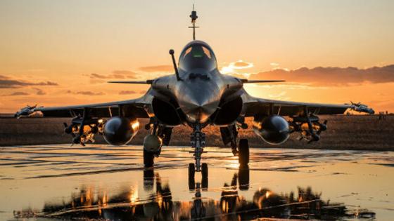프랑스의 다목적 전투기 라팔. 크로아티아 정부 트위터 계정