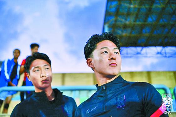 백승호(왼쪽)와 이승우는 24세 이하 선수 중 가장 화려한 선수 경력을 자랑하지만, 도쿄올림픽 무대에 설 수 없다. 둘은 좌절하지 않고 의연하게 결과를 받아들였다. [사진 대한축구협회]
