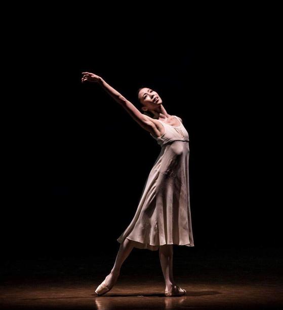 파리 오페라 발레단의 수석무용수, 박세은. 사진은 승급 전인 2018년 공연. [박세은 제공, Isabelle Aubert 촬영, 연합뉴스]