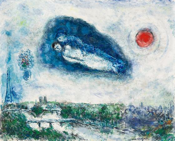 마르크 샤갈, Le couple au-dessus de Paris, oil on canvas, 64.8x80.5cm(25), 1980년대.[사진 서울옥션]