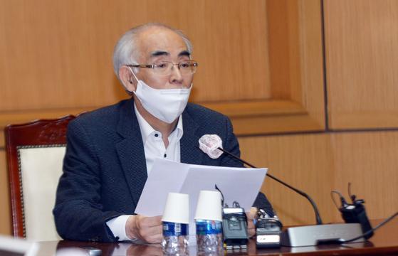 김기선 광주과학기술원(GIST) 총장이 기자회견을 열고 그동안 사의와 번복 등 논란에 대한 입장을 밝히고 있다. [뉴스1]