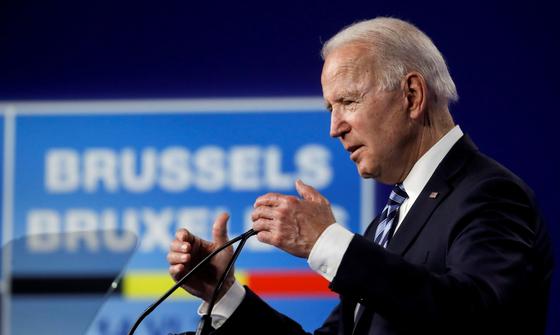 조 바이든 미국 대통령은 지난 14일 벨기에에서 열린 북대서양조약기구(NATO) 정상회의 후 기자회견에서 ″NATO는 중국이라는 새로운 도전에 직면해 있다″고 주장했다. [로이터=연합뉴스]
