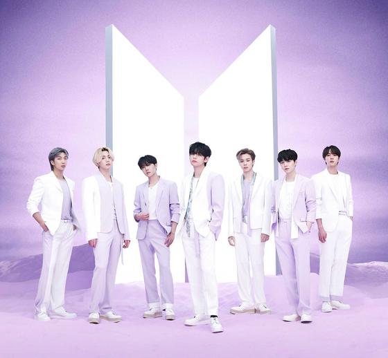 지난 16일 일본에서 'BTS, 더 베스트' 앨범을 발표한 방탄소년단. [사진 빅히트 뮤직]