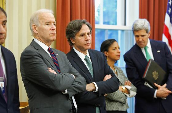 조 바이든 미국 대통령(왼쪽)과 토니 블링컨 국무부 장관. 바이든이 당선인 시절의 사진이다. 로이터=연합뉴스