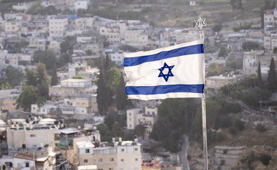 이스라엘 예루살렘 감람산 전망대에 게양된 이스라엘 국기가 바람에 날리고 있다. 임현동 기자