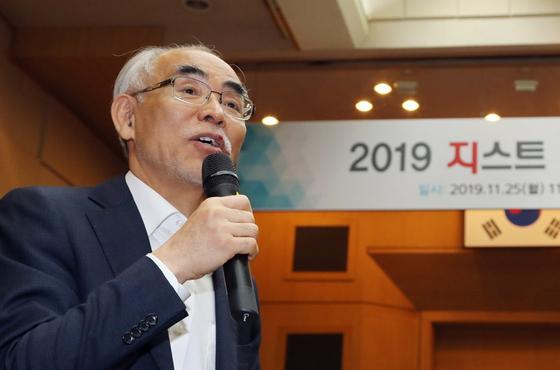 김기선 광주과학기술원(GIST) 총장이 지난 2019년 광주과학기술원에서 열린 기자간담회에서 대학운영 방향을 밝히고 있다. [중앙포토]