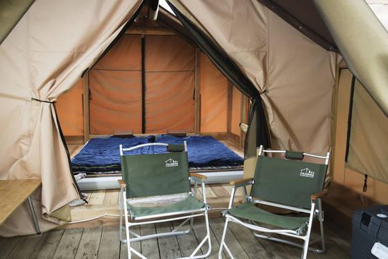 월악산 국립공원에 위치한 닷돈재 풀옵션 야영장은 캠피 장비가 없어도 저렴한 가격으로 하룻밤 묵을 수 있다. 장진영 기자