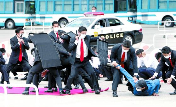 도쿄올림픽 한달 앞, 테러범 진압훈련