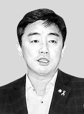 더불어민주당 대선경선기획단장 강훈식 의원.뉴스1