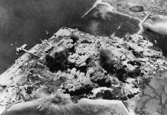 1952년 북한 지역을 폭격하는 미 공군 B-26 폭격기. 사진 미 공군