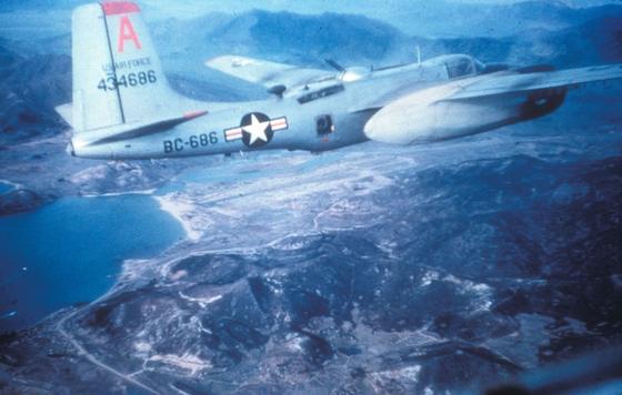 1951년 6ㆍ25전쟁에 투입된 미 공군 B-26C 폭격기. 사진 미 공군