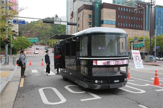 오는 10월부터 상암동 자율주행자동차 시범운행지구 내에서 영업용 자율주행 서비스가 가능해질 전망이다. 서울시.