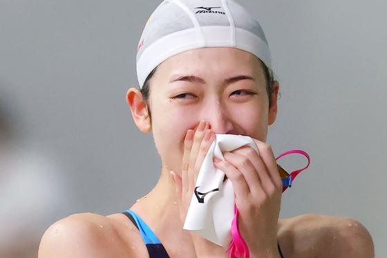지난해 올림픽 출전 자격을 따낸 뒤 기쁨의 눈물을 흘리는 이케에 선수. AP=연합뉴스