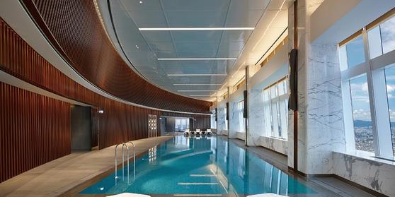 고가 주택의 경우 보통 수영장이나 피트니스 센터, 입주민들 간의 교류가 가능한 클럽 하우스 등을 갖추고 있다. 사진 시그니엘 레지던스 홈페이지