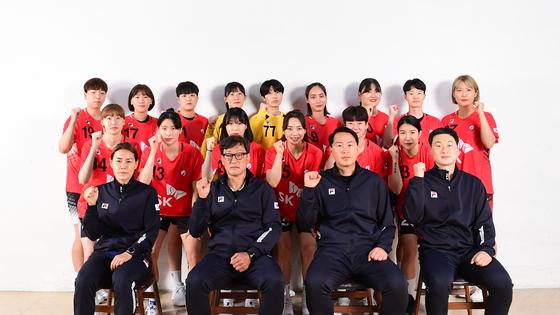 도쿄올림픽에서 13년 만에 올림픽 메달 사냥에 나서는 여자 핸드볼 대표팀 [사진 대한핸드볼협회]