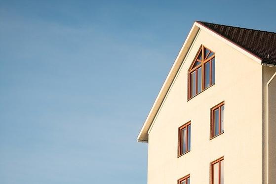많은 이들이 건물주의 삶을 꿈꾸지만 말처럼 쉽지 않은 게 현실. 하지만 리츠에 투자하면 부동산을 직접 사지 않고도 건물주가 누리는 수익을 확보할 수 있다. [사진 pixabay]
