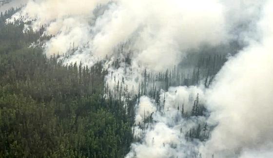 러시아 툰드라지역인 사하공화국에서 한달째 계속되고 있는 산불. 연합뉴스